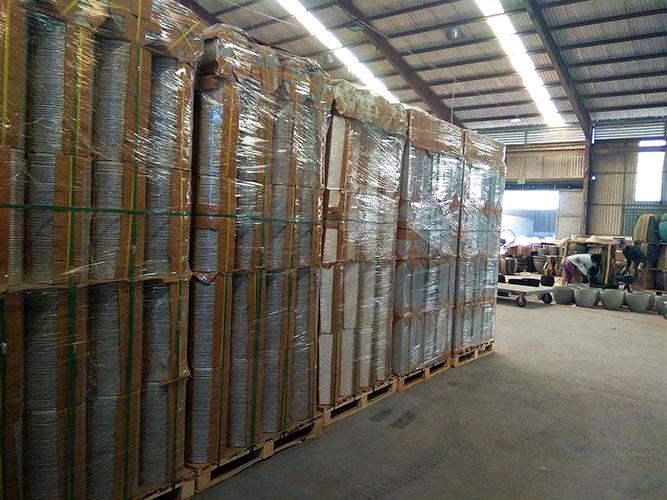 concrete-planter-manufacturer-packing