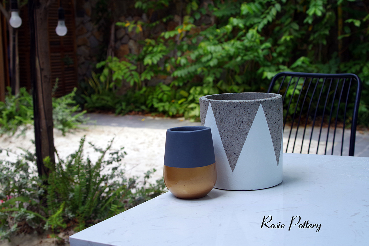 rosie-pottery-vietnamese-cement-plant-pots-and-concrete -planters-about-uss