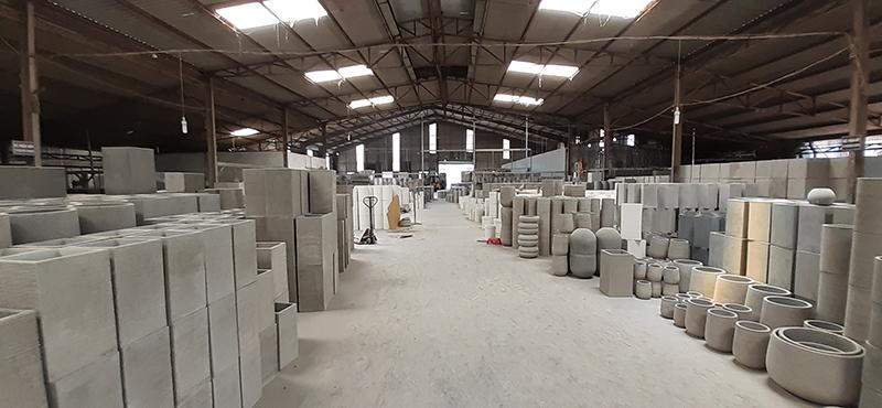 vietnamese-cement-plant-pot-concrete-planter-in-vietnam