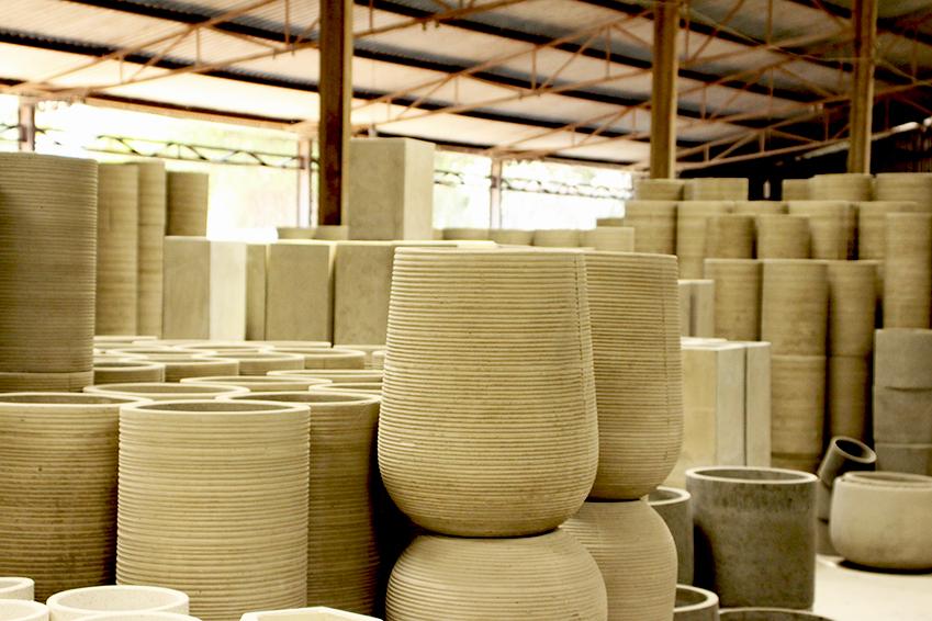 factory-for-lightweight-concrete-planter-in-vietnam