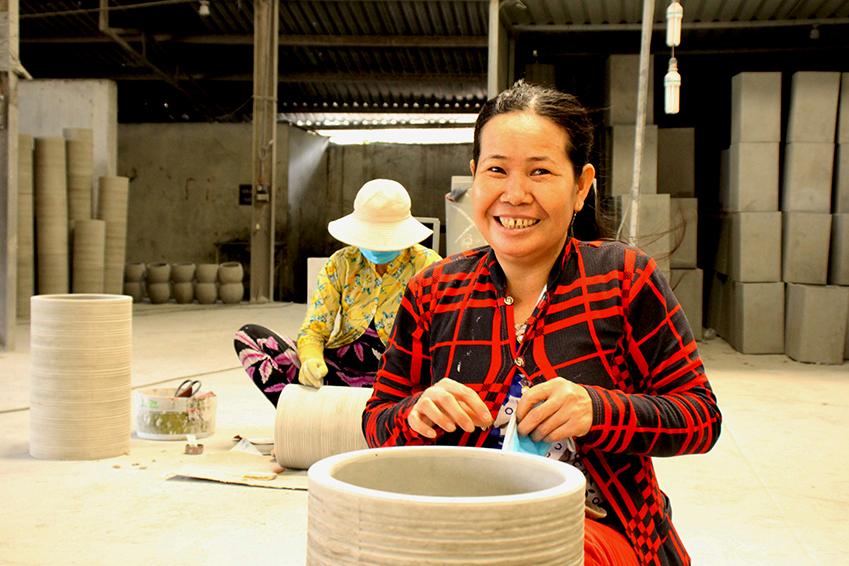 vietnamese-cement-plant-potter-01